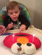 I wanna touch this Elmo cake so bad..